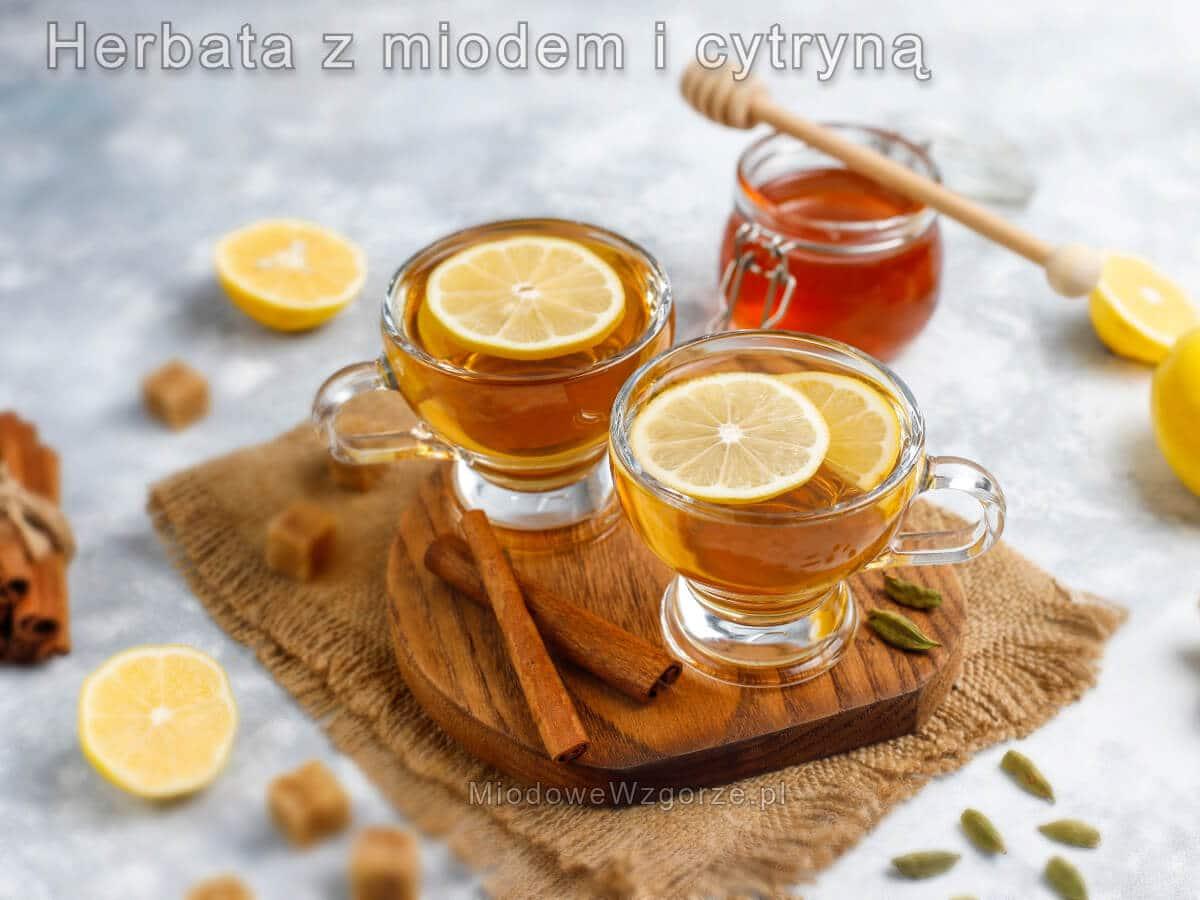herbata z miodem i cytryną